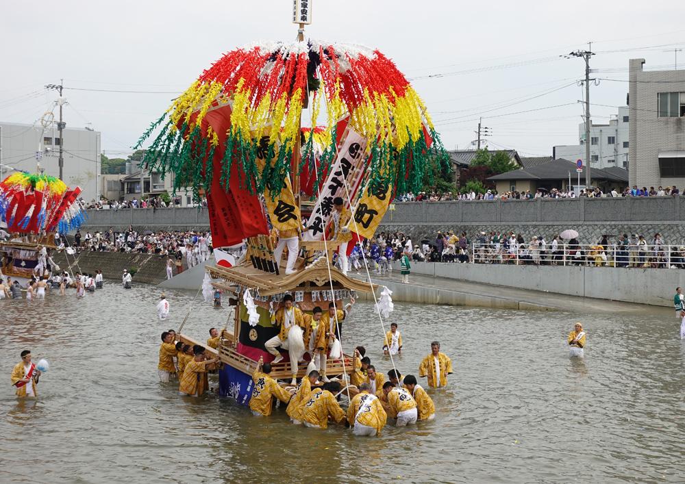 田川 川渡り神幸祭